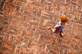 Running Kid, Bagan