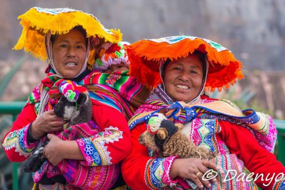Traditional Peruvian Women, Peru